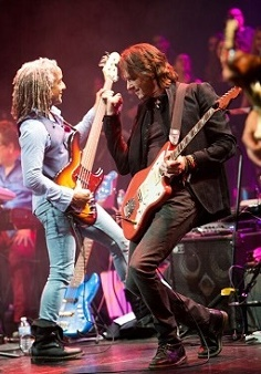 Rick Springfield performs at Education Foundation's benefit concert
